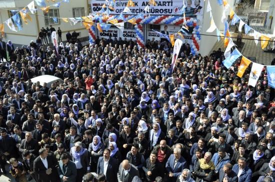 Beyazgül Siverek'te miting gibi seçim bürosu açtı