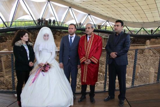 Demirkol Göbeklitepe'de nikah kıydı