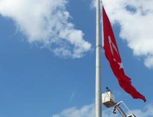Dev bayrakla ilgili açıklama yapıldı
