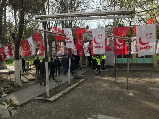 Saadet Partisi'nin seçim bürosuna saldırı