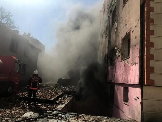 Şanlıurfa'da eski hastane binasında yangın
