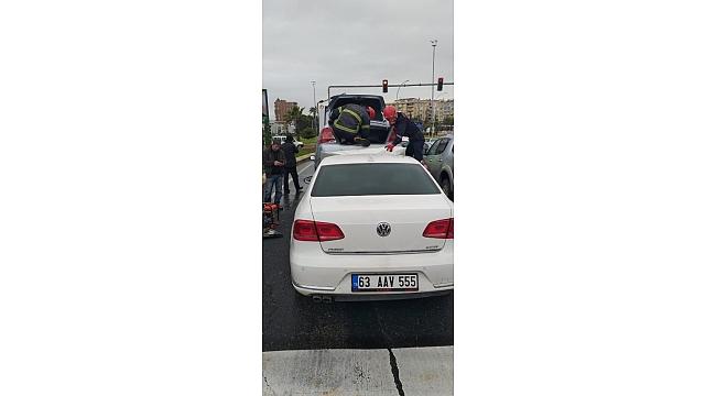 Abidede meydana gelen kazada iki kişi yaralandı.