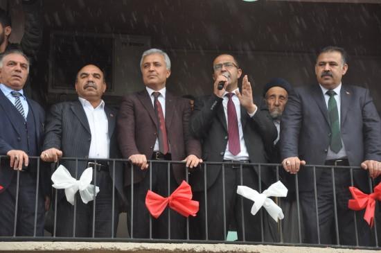Ceylanpınar Belediye Başkanı Aksak, mazbatasını aldı