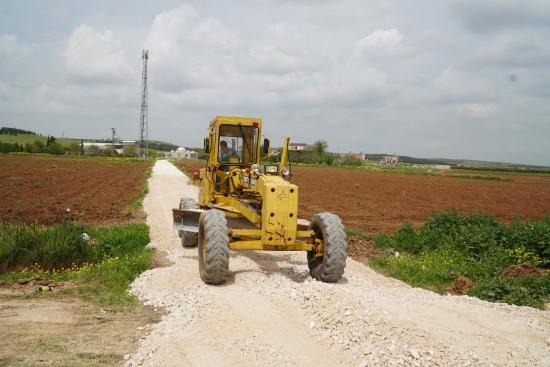 Kırsalda 4 mahallede yol çalışması