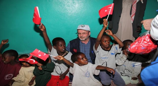 Etiyopyalı yetimlerin yüzü Türk hayırseverlerin yardımlarıyla güldü