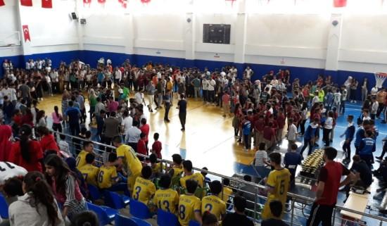 Viranşehir'de okul sporları ödül töreni düzenlendi