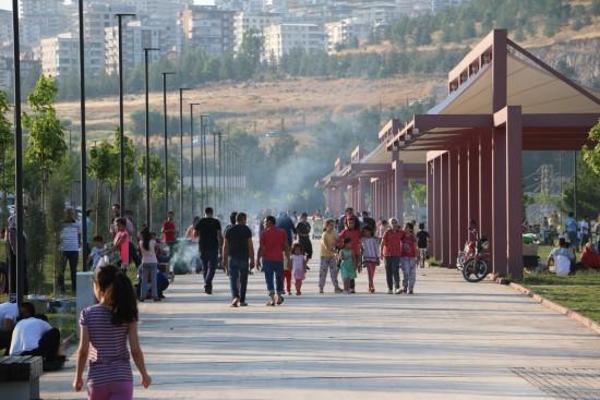 Büyükşehir'in sosyal tesislerine yoğun ilgi
