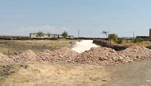 Kırsal mahallelerde stabilize yol yapım çalışmaları sürüyor