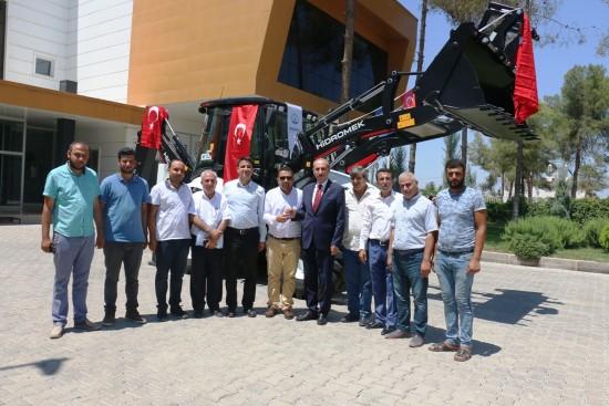 Akçakale belediyesi araç filosunu bir iş makinesi ile güçlendirdi
