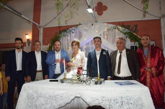 Ekinci iki çiftin nikah şahidi oldu