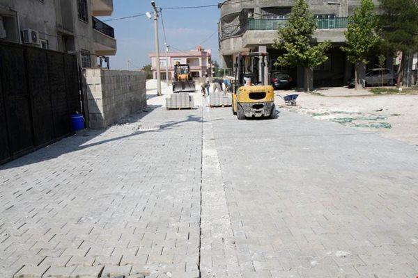 Harran'da kilitli parke taşı döşeme çalışmaları devam ediyor