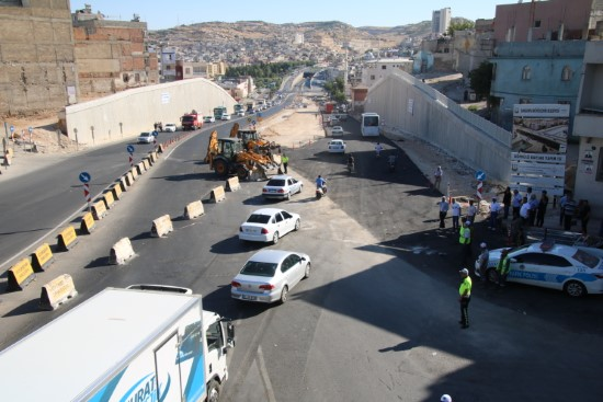 Köprülü kavşakta asfalt çalışmaları tamamlandı