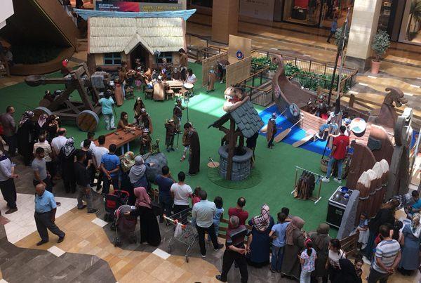 Piazza'da Viking Köyü ile Eğlenceli Günler