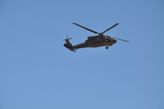 Sınırda helikopter hareketliliği