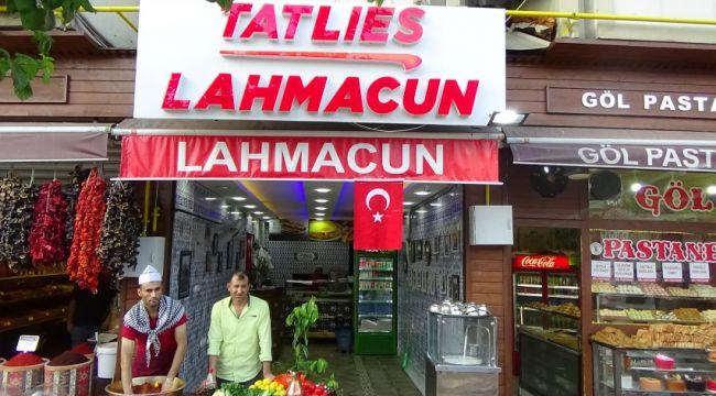 Urfa Lahmacunu ve çiğköftesi Tatlies'de yenir