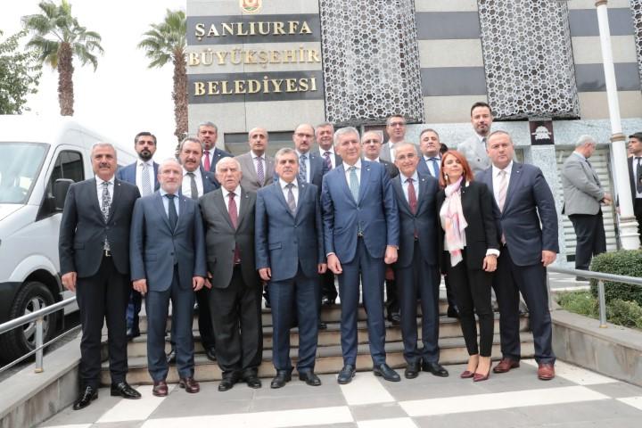 Başkan Beyazgül, İstanbullu iş adamları ile görüştü