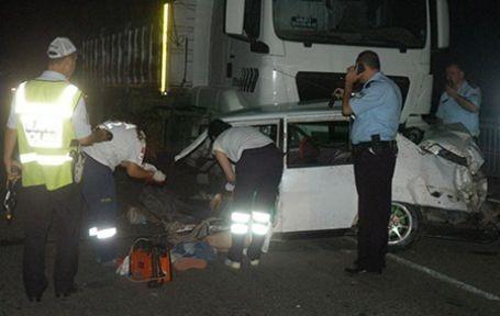 Ceyhan'da trafik kazası: 1 ölü, 17 yaralı