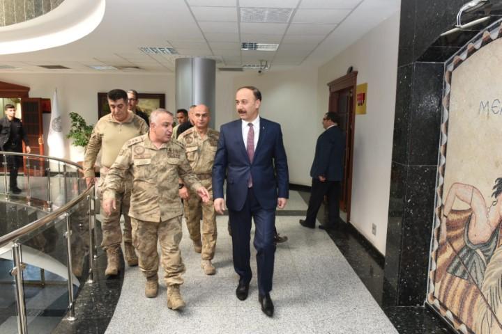 Jandarma Komutanları ile Tedbirler Değerlendirildi