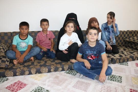 Savaşın yetim bıraktığı çocuklar sıcak yuvaya kavuştu