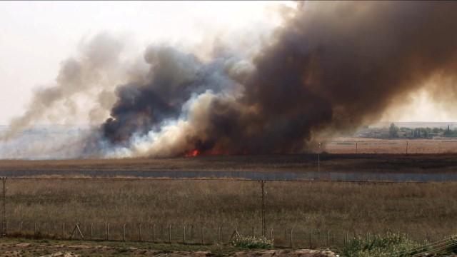 Telabyad'dan yoğun duman yükseliyor