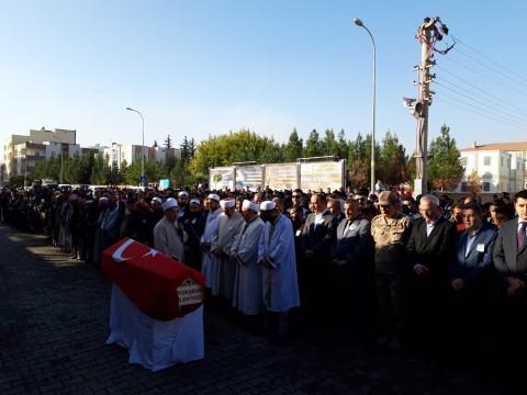 Akçakale'ye atılan roketle şehit olan vatandaş gözyaşlarıyla defnedildi