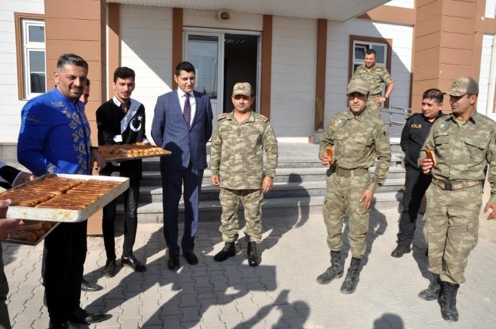 Bursalı annelerden Barış Pınarı Harekatı'na katılan askerlere börek