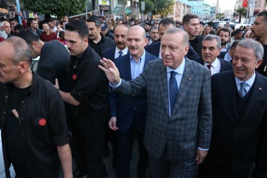 Cumhurbaşkanı Erdoğan'a Şanlıurfa'da coşku seli