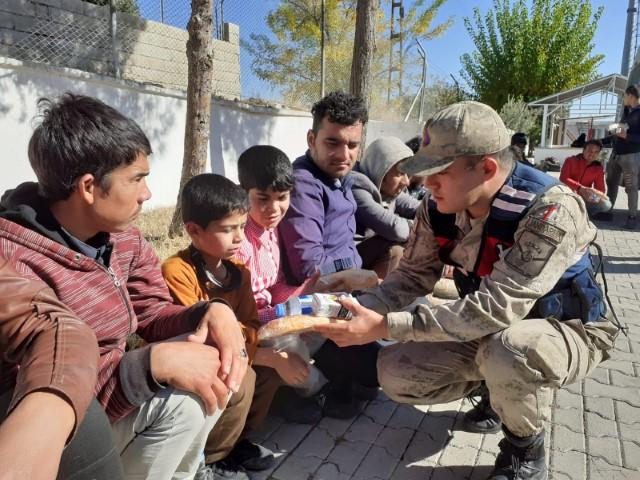 Gaziantep'te 39 kaçak göçmen yakalandı