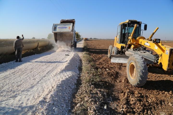 Haliliye'nin kırsal mahallerinde yol yapımı sürüyor