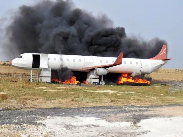 Şanlıurfa'da gerçeğini aratmayan uçak yangını tatbikatı