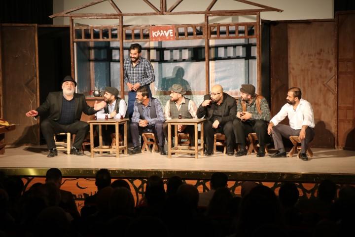 Şehir tiyatrosu, perdelerini bu kez öğretmenler için açtı(Video)