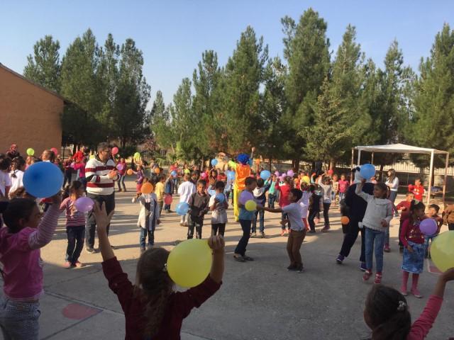 Sınırdaki Öğrenciler Açık Kapı İle Sevindi(Video)