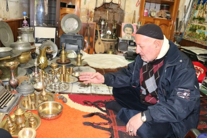 Tarihi Balıklıgöl'de antika eşyalar sergileniyor
