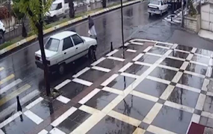 Yaşlı kadının öldüğü feci kaza Kameralara yansıdı