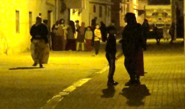 Deprem sınır ilçesi Akçakale'de halkı sokaklara döktü