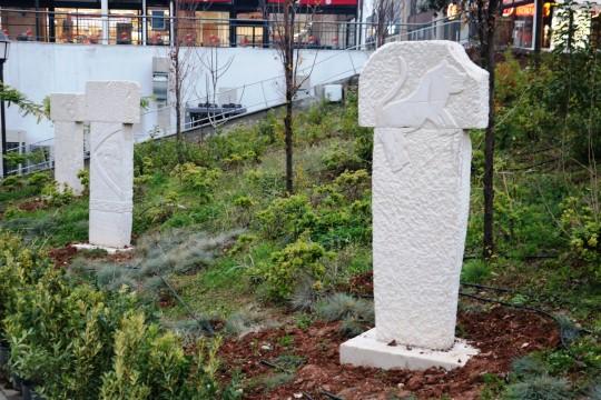 Göbekitepe'nin tarihi sembollerinin maketleri parklara dikildi