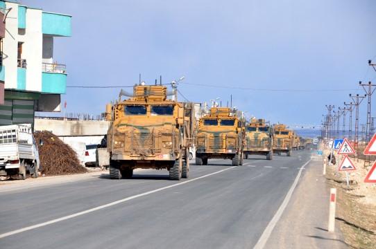 100 araçlık askeri konvoy Şanlıurfa istikametine gitti
