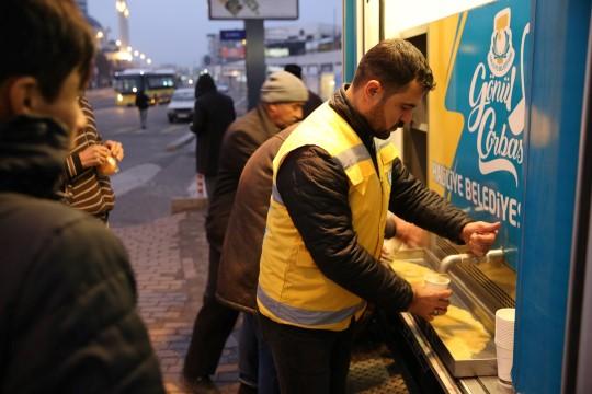 Haliliye, soğuk havalarda vatandaşların içini ısıtıyor (Videolu Haber)