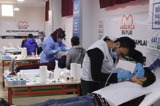 Hayrat Yardım Derneği, yetim çocukları diş taramasından geçirdi