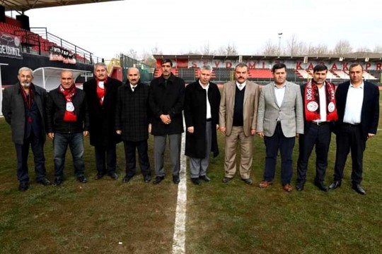 Karaköprü Belediyespor Kulüp Başkanı Kayral ve Yöneticilerden futbolculara çağrı;