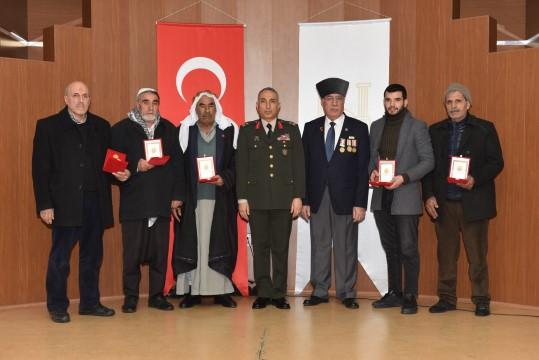 Şanlıurfa'daki Kıbrıs gazilerine milli mücadele madalyası verildi (Videolu Haber)