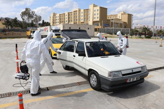 Büyükşehir, ikinci araç dezenfekte istasyonunu kurdu (Videolu Haber)