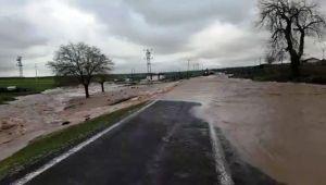 Siverek kırsalında aşırı yağış sele dönüştü
