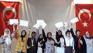 Siverekli öğrenciler tiyatro yarışmasında il birincisi oldu