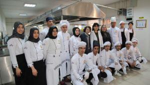 Yöresel lezzetlerle modern Türk mutfağını birleştirerek Şanlıurfa'yı tanıtıyorlar