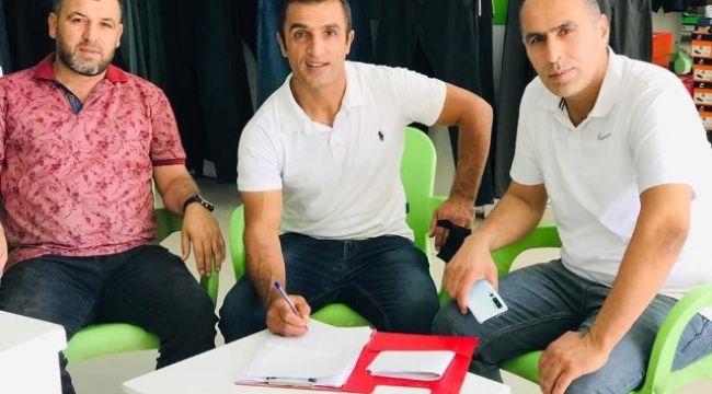 Akçakale Belediyespor'da teknik direktörlüğe İsmail Buz getirildi