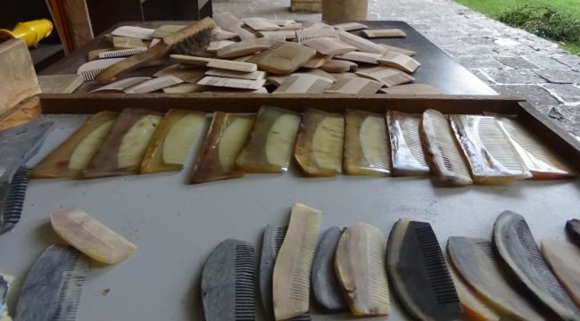 Kemik taraklar fabrikasyon ürünlere direniyor