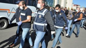 Vatandaşların 1 yılda 14 milyon lirasını dolandıran çete çökertildi (Video)