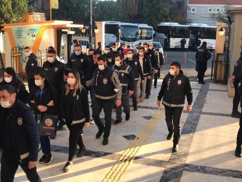 Dolandırıcılıktan adliyeye sevk edilen 30 şüpheliden 27'si tutuklandı