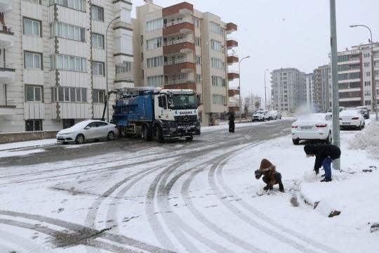 Şuski ekipleri, kar mesaisine devam ediyor (Videolu Haber)